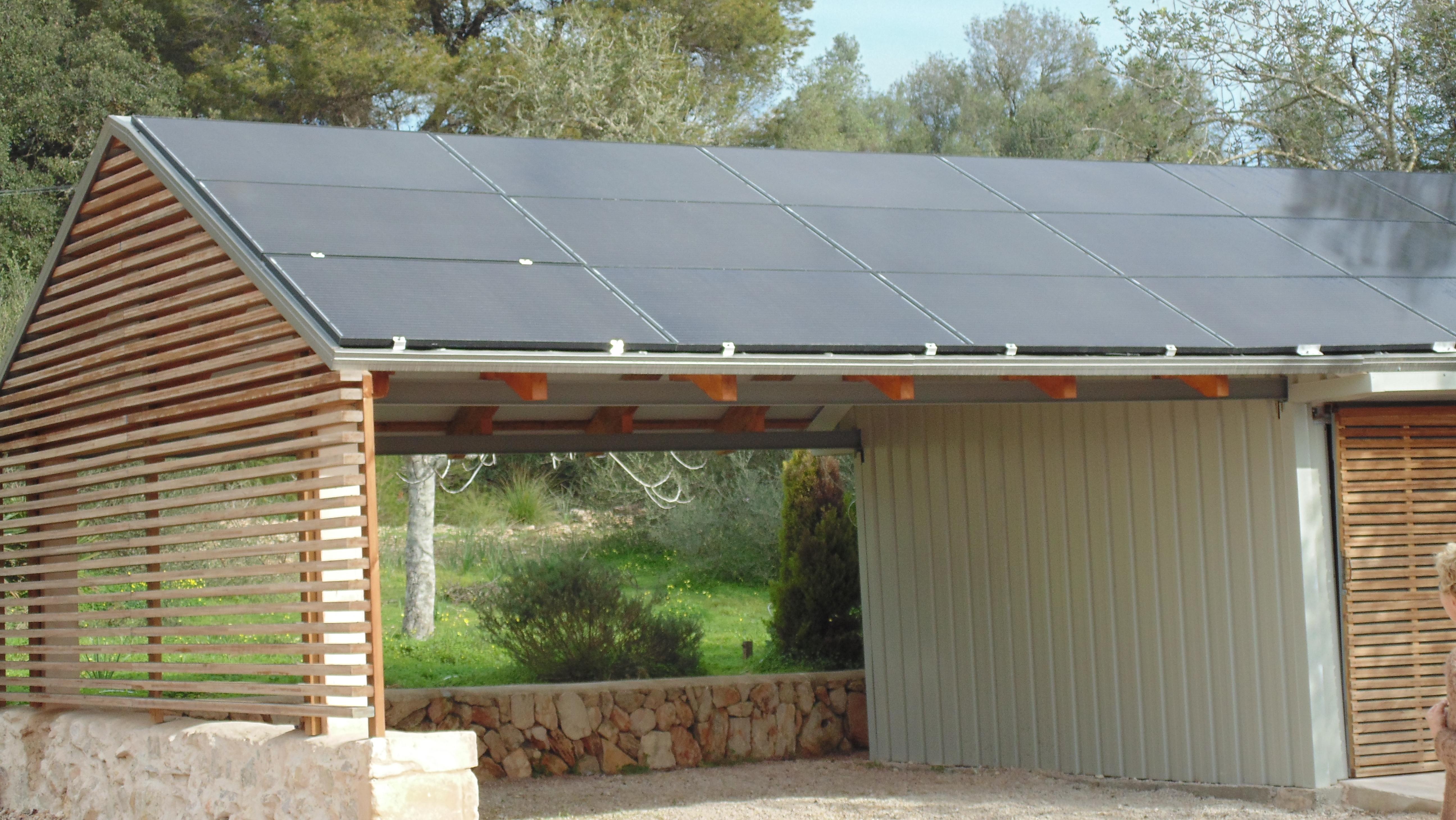 Soysia solar pannels Mallorca solar panels garage
