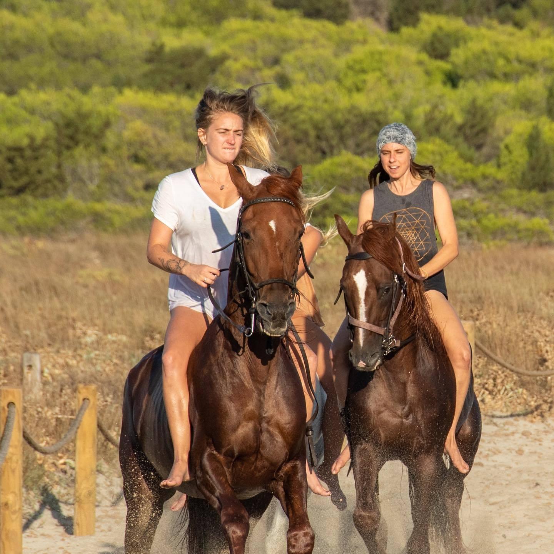 Lizzie horse 4
