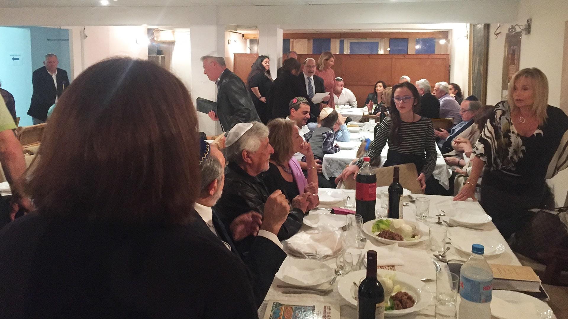 Passover Jewish celebration friends and family min