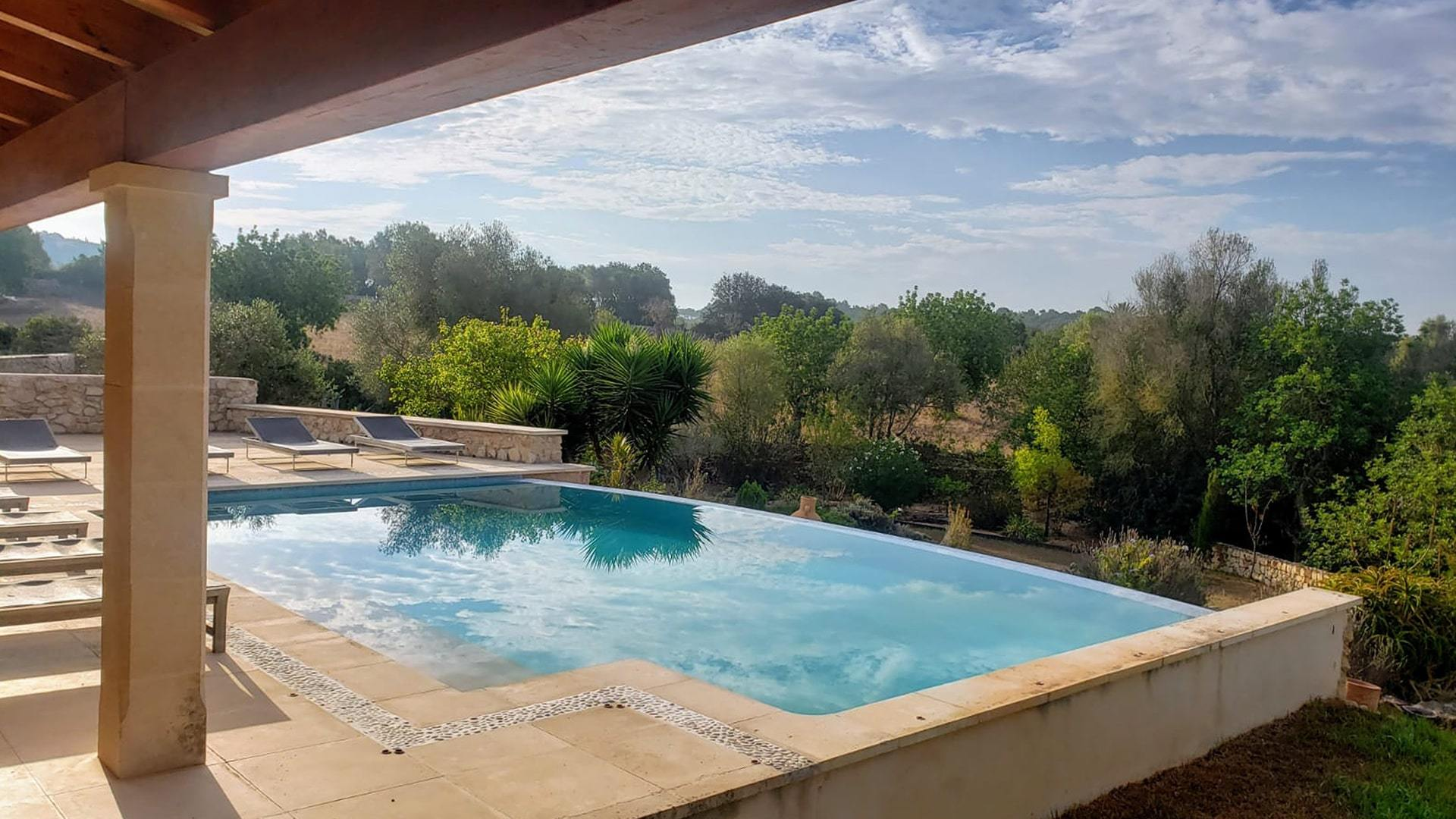 Solysia solar pannels Mallorca pool and view min
