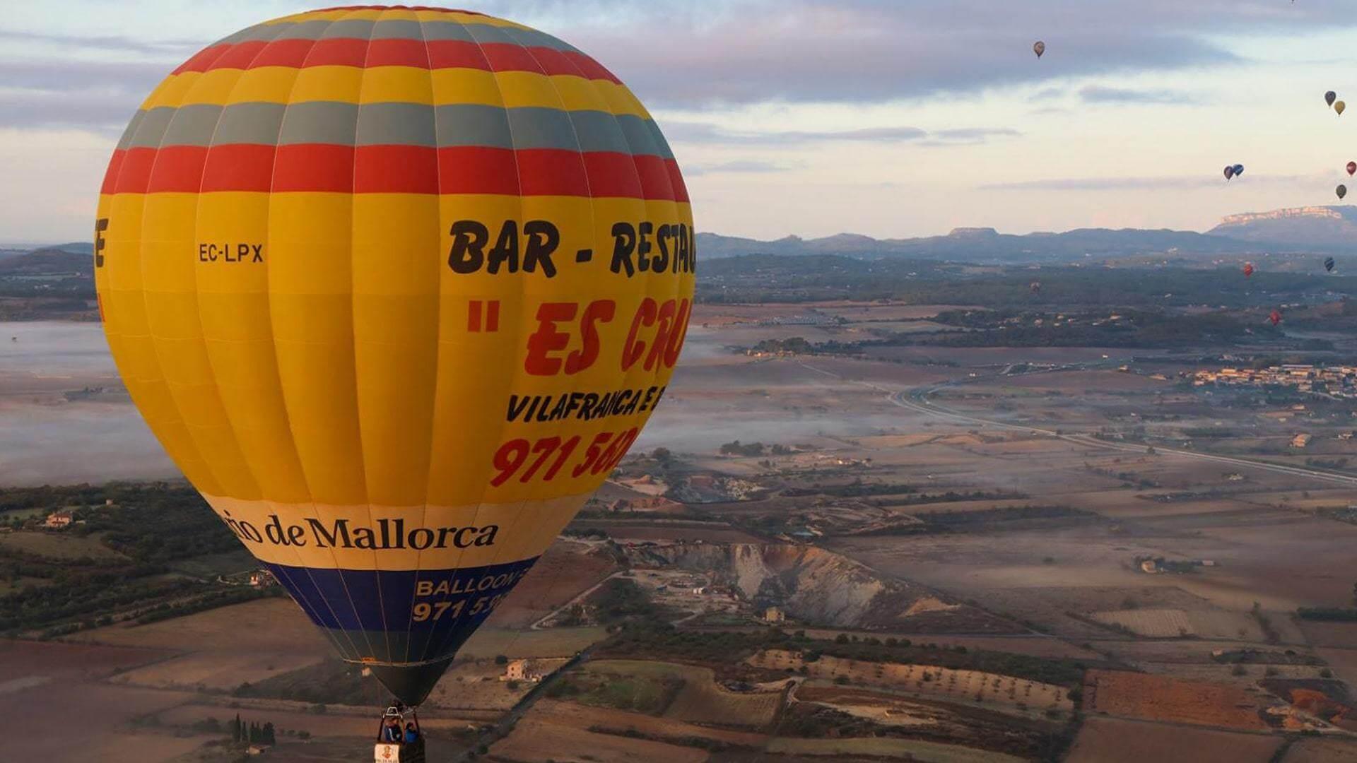 Xavier Sanso es cruce amllorca balloons hot air balloon min