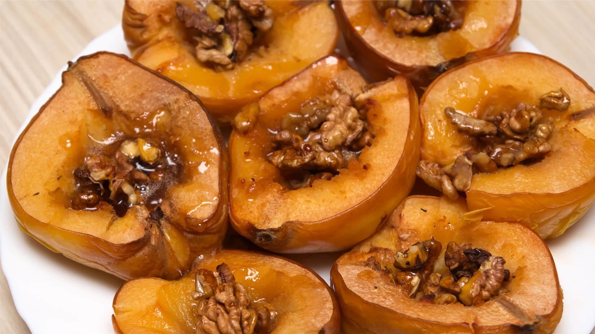 Baked quince autumn desert mallorca