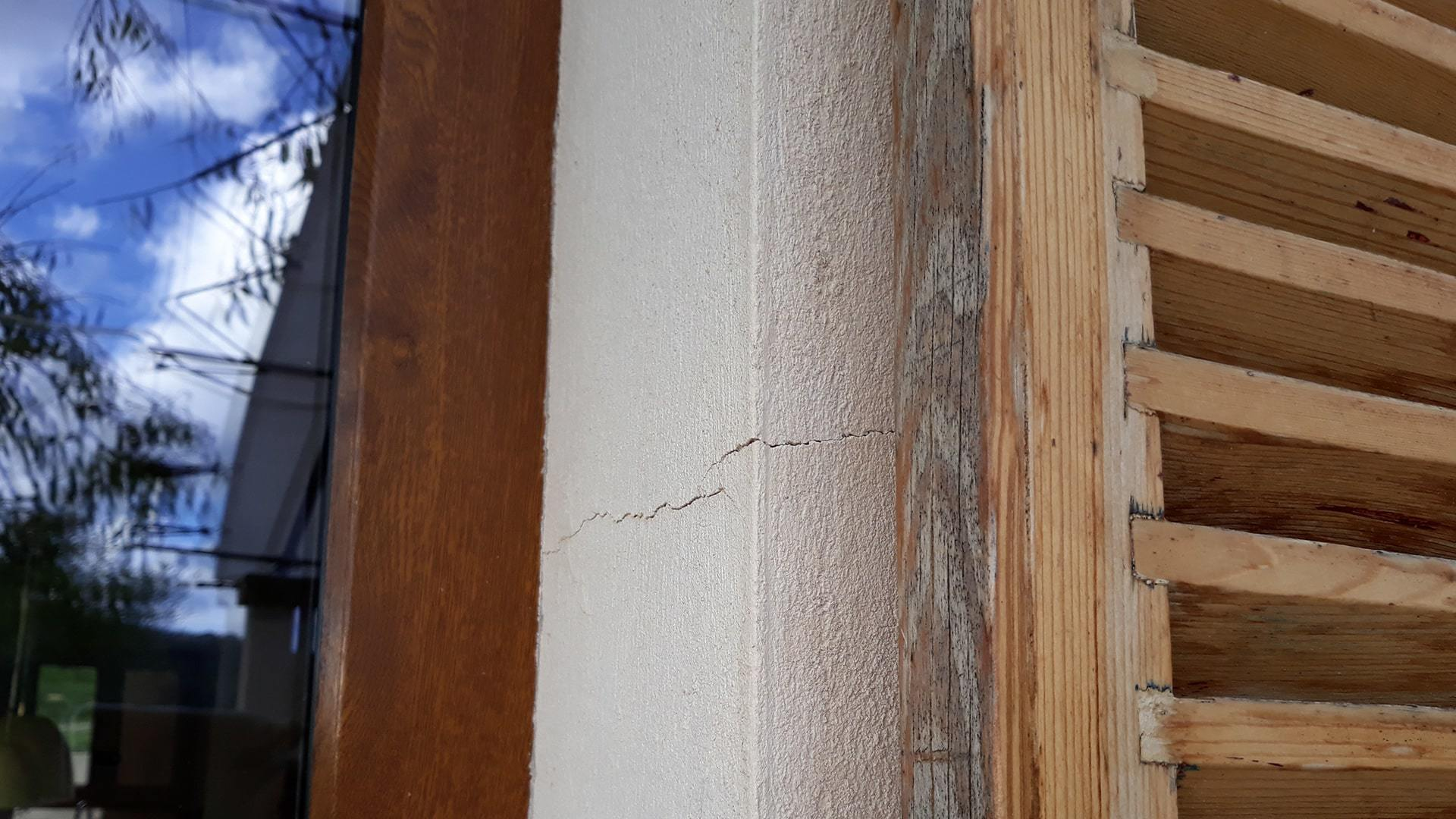Cracks window prepping your home for winter mallorca min